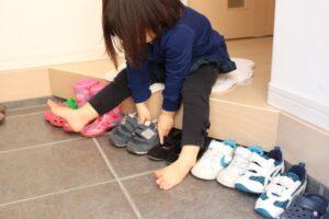 靴揃えのお手伝い